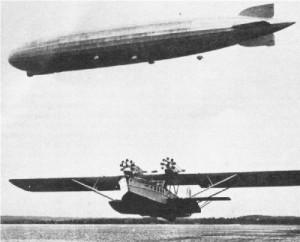 Der Superwal des deutschen Luftfahrtingenieurs und -unternehmers Claudius Dornier (unterhalb eines Zeppelins Baujahr 1920). Dieses erstmals 1926 gebaute Flugzeug stellt einen Meilenstein im Flugbootebau dar. Mit ihm wurde der regelmäßige Flugverkehr zwischen Europa und Südamerika aufgenommen. Die Kreativität Deutschlands im Motoren-, Strahltriebwerk- und Raketenbau vor dem Ende des Zweiten Weltkrieges muß als bemerkenswert bezeichnet werden. Wenigen ist bekannt, daß Deutschlands 35 Flugzeughersteller und 20 Flugmotorenbauer am Ende des Ersten Weltkrieges, nach etwa 1.000 Kriegstagen, 18.500 Flugzeuge in ihrem Inventar hatten. Die Nationen der Inter-Alliierten Kontrollkommission schlachteten diese fortschrittliche deutsche Luftfahrttechnologie aus und zerstörten die nicht beschlagnahmten Militärflugzeuge.