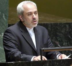 """Vor der Vollversammlung der Vereinten Nationen in New York sagte der iranische Außenminister Dschawad Zarif: """"Von Ne-tanjahu erwarten wir nichts anderes als Lügen, Schwindel und Panikmache. Netanjahu behauptet nun seit Jahren, dass der Iran in sechs Monaten die Atombombe haben werde. Die Welt darf nicht zulassen, dass globale Intelligenz derart beleidigt wird."""" FAZ, 02.10.2013, S. 2"""
