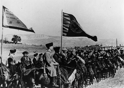 Traditionelle, konservative Kosaken kämpften für Adolf Hitler gegen den Kommunistenkodex, die primitive Kopie der Bibel. Präsident Putin lobte diese Kosaken öffentlich.