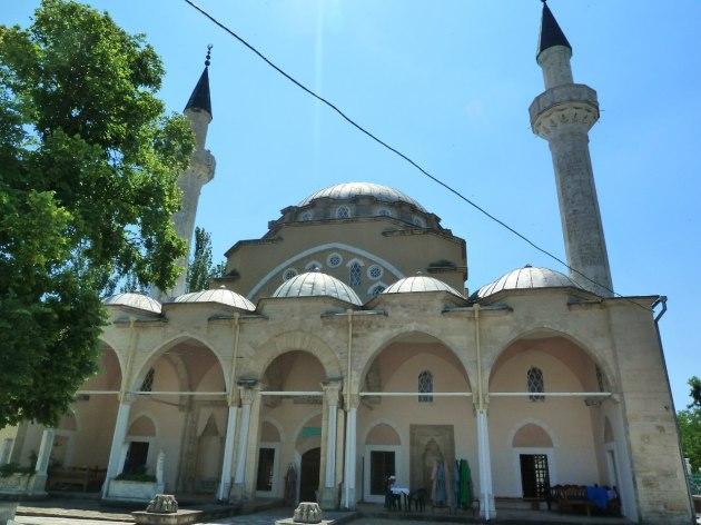 Yevpatoria, diese Moschee liegt einer orthodoxen Kirche genau gegenüber...