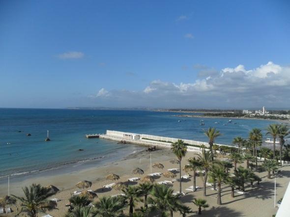 Paradiesische Aussicht vom Hotelfenster zum Mittelmeer