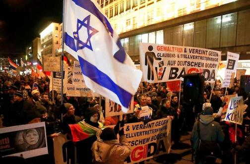 Judenflagge an der Front bei BAGIDA